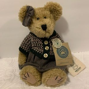 Retired Exclusive Barnes and Noble Boyd's Bear